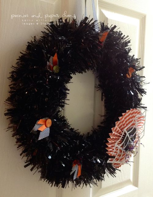 Stampin' Up! Frightful Wreath Simply Created by Kerry Willard Bray www.peoniesandpaperchains.com 4